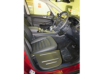 Ford Galaxy Push/Pull Brake & Accelerator with Indicator Switch, Quick Release Steering Ball and Manual Transfer Plate fitted by David Relph Vehicle Adaptations